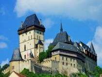 Karlstein_Castle_2